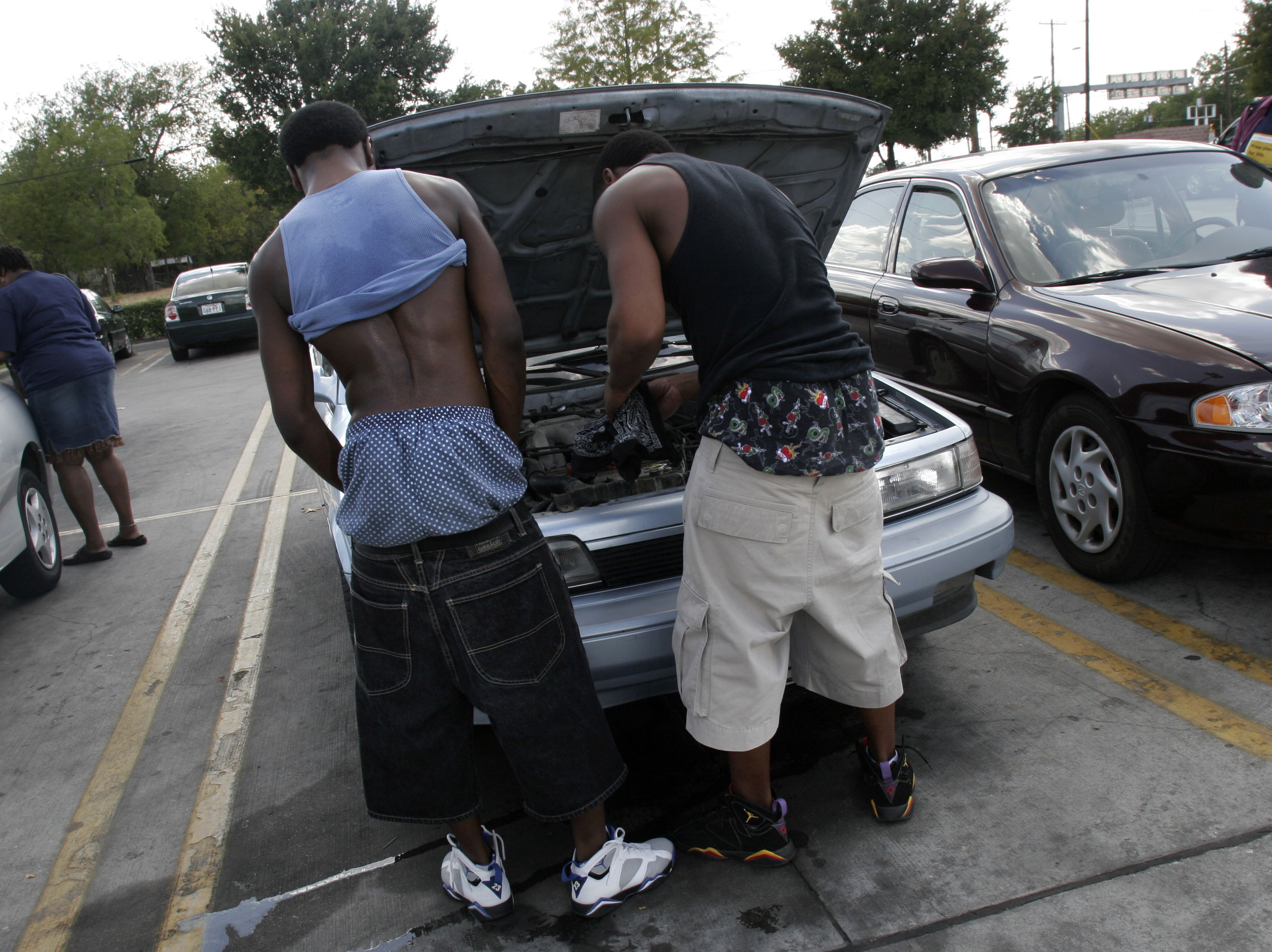 "Flint Police Chief locks up youngsters for saggy pants « The ""D"" Spot"